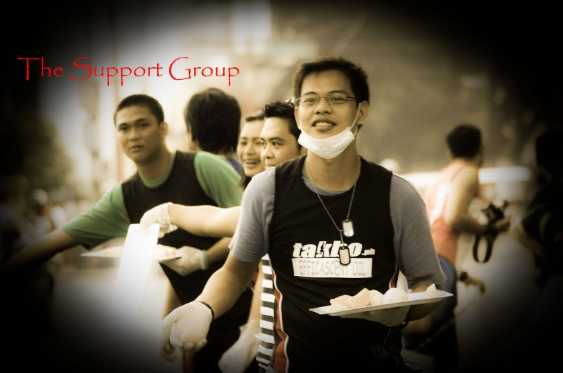 The takbo.ph support group who never allowed me not to stop at the booth!